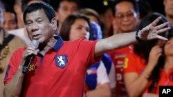 Magajin garin Davao, Rodrigo Duterte, dan takarar shugaban kasa dake kan gaba a zaben yau