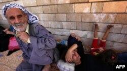 Des chrétiens ayant fui Qaraqosh à l'approche des islamistes