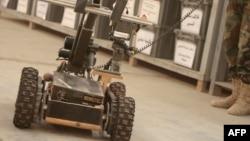 رپورٹ میں بتایا گیا کہ یہ روبوٹس دن کے علاوہ رات میں بھی فوج کے معاون ہوں گے۔ (فائل فوٹو)
