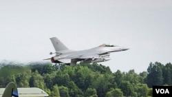 丹麦F16战机