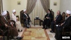 گروهی از روحانیون حوزه علمیه قم با حسن نصراﻟله دبیرکل حزب اﻟله دیدار کردند - خرداد ۱۳۹۵