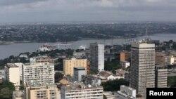 Une vue du centre commercial d'Abidjan, en septembre 2015