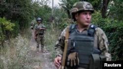 უკრაინელი ჯარისკაცები ფრონტის ხაზთან. 10 აგვისტო, 2016 წ.