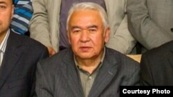 Nurmuhammad Tohti, seorang penulis terkemuka Uighur dilaporkan telah meninggal di kamp (foto: dok).