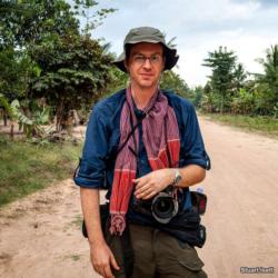 Stuart Isett is an American photographer based in Seattle, WA.