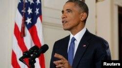 바락 오바마 미국 대통령이 20일 TV로 생중계된 특별 연설을 통해 이민 개혁 행정명령을 발표하고 있다.
