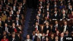 El presidente Obama dijo que sólo suscribiría pactos que beneficiarán a los trabajadores y promuevan empleos en Estados Unidos.