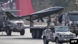 Vozila i borbeni avioni prikazani na vojnoj paradi u Pekingu