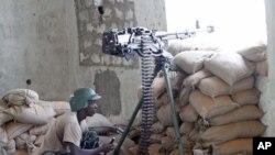 Askari wa Umoja wa Afrika wakati wa mapambano na Alshabab huko Mogadishu.