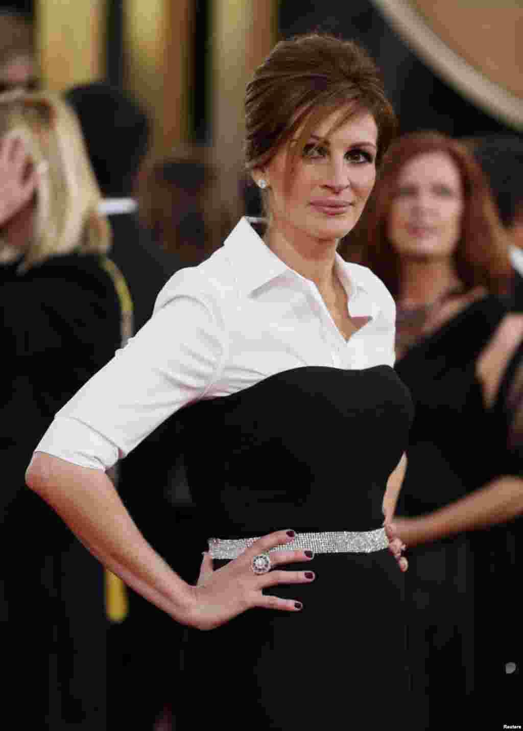 Актриса Джулия Робертс на церемонии открытия «Золотого глобуса»