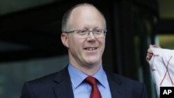 Direktur Jenderal BBC, George Entwistle dan beberapa pejabat lainnya harus mundur dari jabatannya akibat salah tuduh terhadap seorang politisi Inggris ternama (foto: dok).