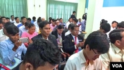 NEC organized a workshop explaining the dissemination of electoral processes at the cabinet office of the NEC, Phnom Penh, Cambodia, May 17, 2018. (Hul Reaksmey/VOA Khmer)