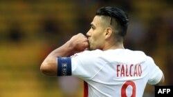 Radamel Falcao, après son but lors du match contre Rennes, au stade Louis II de Monaco, le 7 octobre 2018.