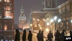 Cảnh sát chống bạo loạn tuần phòng trong trung tâm thủ đô Moscow vì lo ngại có thể xảy ra xung đột