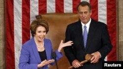 Bà Nancy Pelosi, lãnh đạo khối Dân chủ tại Hạ viện giới thiệu ông John Boehner phát biểu sau khi ông được bầu lại vào chức Chủ tịch Hạ viện trong ngày họp đầu tiên của Quốc hội Mỹ khóa 113, 1/3/13