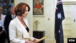 PM Julia Gillard akan memberi kompensasi rakyat Australia atas penerapan pajak karbon.