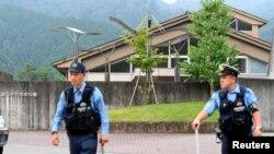 پلیس پس از حمله در اطراف آسایشگاه معلولان مستقر شده است.