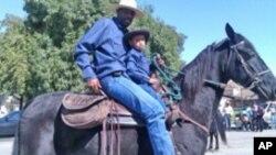 Au Texas, les chevaux ont droit à des carottes ou des pommes, le jour de Noël
