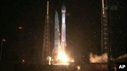Старт ракеты «Атлас-5». Мыс Канаверал, штат Флорида. 30 августа 2012 г.