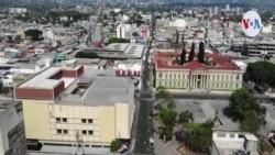 """""""Hay días que comemos y hay días que no"""":salvadoreñapone un rostro a la caída de las remesas enviadas a Centroamérica"""