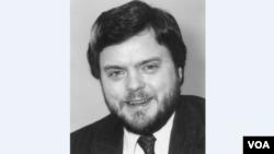 VOA Director Kenneth Tomlinson (1982 - 1984)