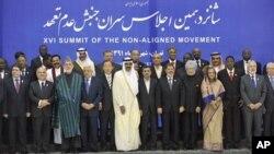30일 이란 테헤란에서 열린 비동맹운동 회담에 참석한 각 국 정상들.