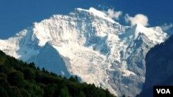 Pegunungan Alpen di Eropa, tempat terjadi kasus pembunuhan. (Foto: Dok)