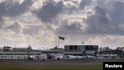 Pesawat Airbus jenis Bombardier Q300 di Bandara Auckland, Selandia Baru, 25 Juni 2017. (Foto: dok)