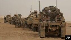 Para marinir Amerika yang membantu ofensif terhadap Raqqa dan merebutnya dari ISIS (foto: dok).