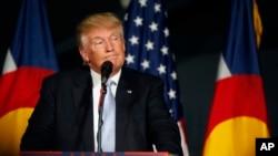 Ông Donald Trump phát biểu tại một cuộc mít tinh ở Denver, 29/7/2016.