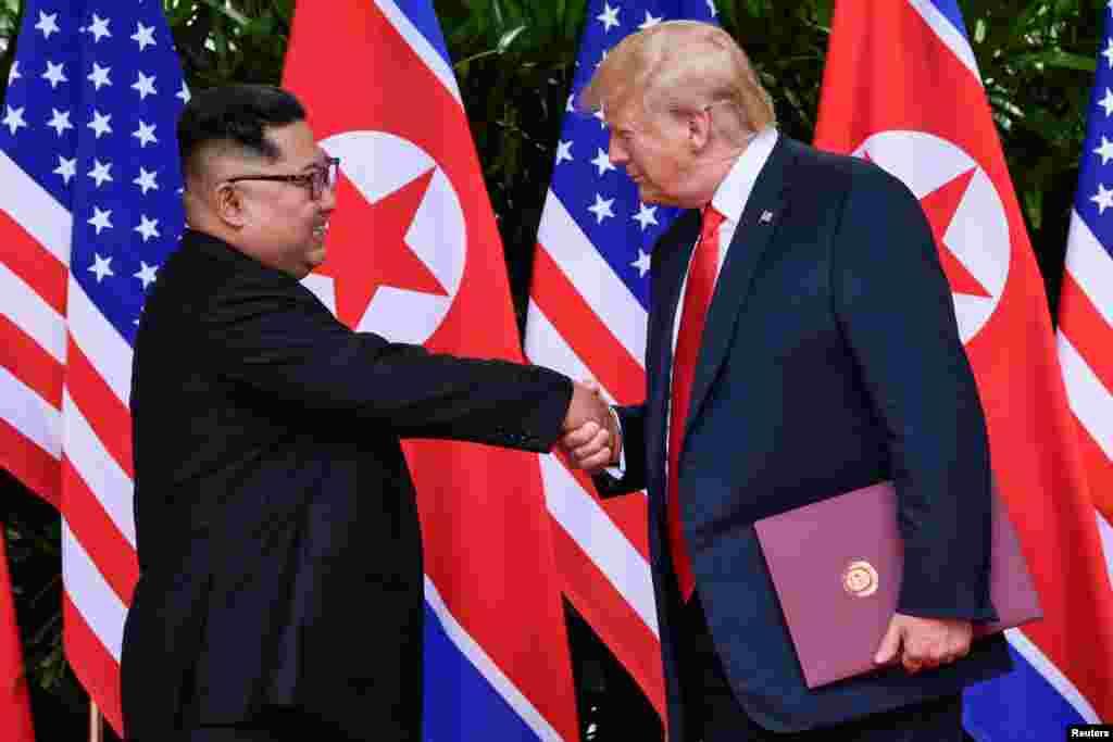 AQSh Prezidenti Donald Tramp va Shimoliy Koreya Prezidenti Kim Chen Un uchrashuvi. Singapur