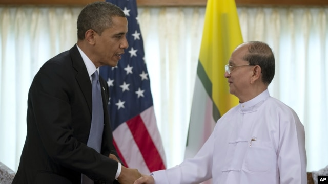 Obama cumprimenta presidente Thein Sein