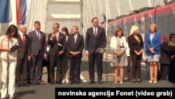 Predsednik Srbije Aleksandar Vučić sa evropskim komesarom Johanesom Hanom u Novom Sadu