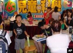 儿童是书展的主要参与者