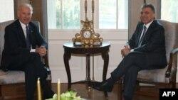 Nënpresidenti Biden viziton Turqinë, nxit sanksione ndaj Iranit