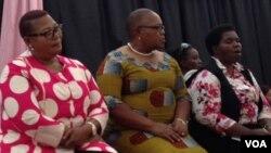 UNkosikazi Joice Mujuru, uNkosazana Thokozani Khupe loNkosikazi Lucia Matibenga.
