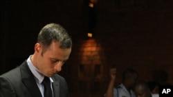 Oskar Pistorijus, tokom današnjeg pretresa u sudnici u Pretoriji, radi odlučivanja o mogućem puštanju uz kauciju