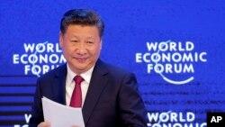 El presidente chino, Xi Jinping, habló ante el Foro Económico Mundial en Davos, Suiza, el martes, 17 de enero, de 2017.