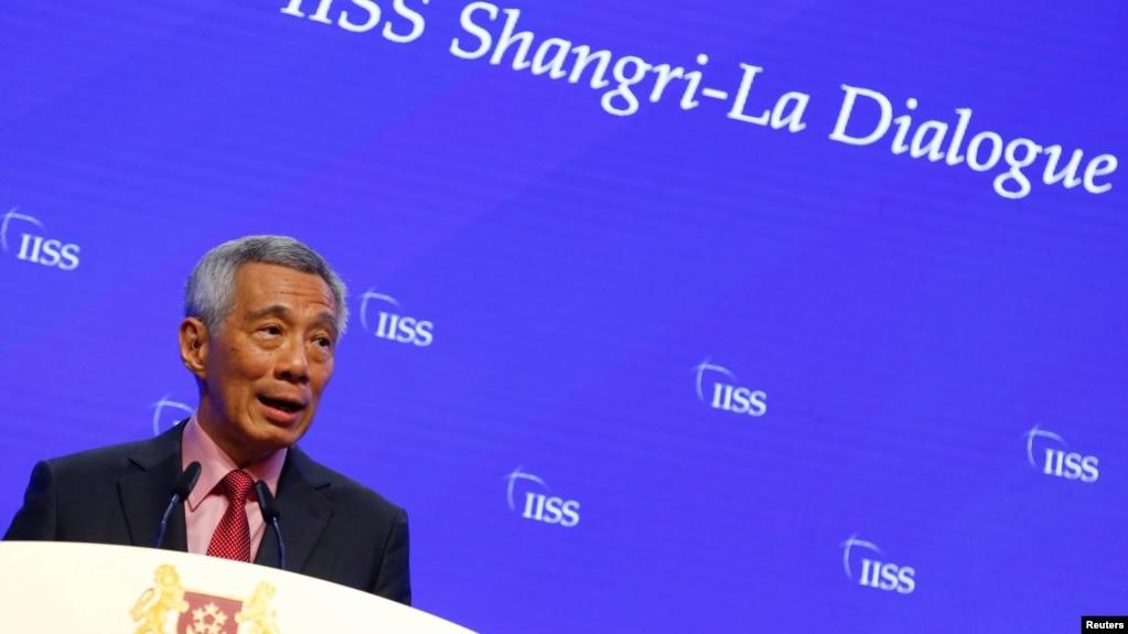 នាយករដ្ឋមន្ត្រីសិង្ហបុរី លោក Lee Hsien Loong ថ្លែងសុន្ទរកថានៅវេទិកាសន្តិសុខអាស៊ី IISS Shangri-la Dialogue នៅសិង្ហបុរីកាលពីថ្ងៃទី៣១ ខែឧសភា ឆ្នាំ២០១៩។