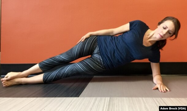 This is the easy version of the Side Plank improves exercise.