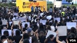 數以千計醫護專業人員集會要求特首林鄭月娥盡快回應民間5大訴求。(攝影: 美國之音湯惠芸)