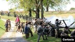 Actores recrean la batalla de Antietam, que el 17 de septiembre hace 150 años, se convirtió en el día más sangriento de la historia estadounidense. Foto cortesía del Antietam National Battlefield, Maryland.