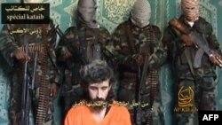 Trong cuốn băng video trên youtube, ông Alex đọc một danh sách những đòi hỏi của các phần tử nổi dậy al-Shabab.