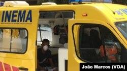 Cidadão chegado de Portugal levado pelas autoridades de saúde para quarentena forçada, devido ao coronavírus. Benguela 21 março, 2020