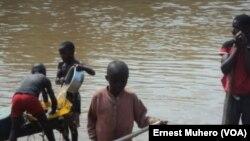 En images : les enfants dans les mines du Sud-Kivu