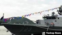한국 진해구 해군군항에서 취역한 해군의 11번째 유도탄 고속함인 '홍시욱함' (자료사진)
