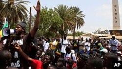 """""""Thiat"""" leader du groupe sénégalais """"Y en a marre"""" était parmi les militants des mouvements citoyens arrêtés en mars dernier à Kinshasa, RDC"""