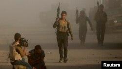 نیروهای عراق می گویند از شرق وارد حریم شهر موصل شده اند.