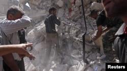 Civili i pripadnici Slobodne sirijske armije u Alepu