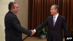 Ðặc sứ Hoa Kỳ Kurt Campbell và Thứ trưởng Trung Quốc Thôi Thiên Khải tại Bắc Kinh